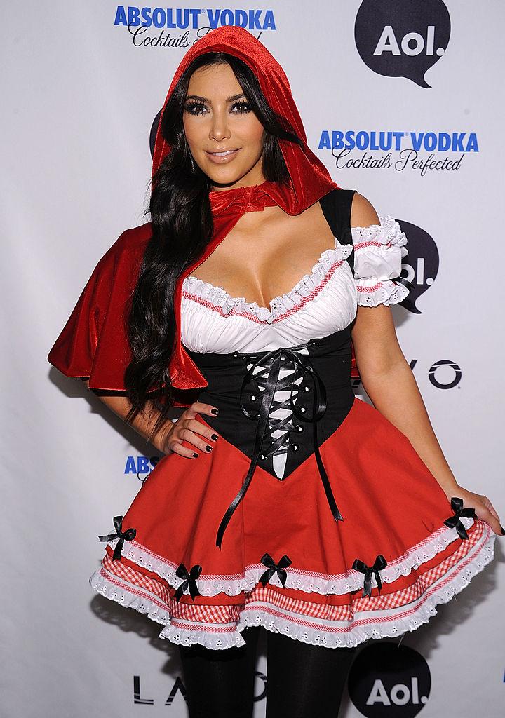 kim kardashian halloween cappuccetto rosso
