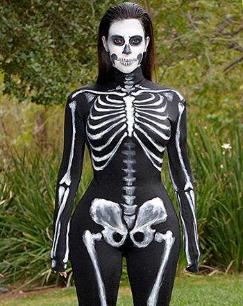 Kim Karadashian scheletro halloween