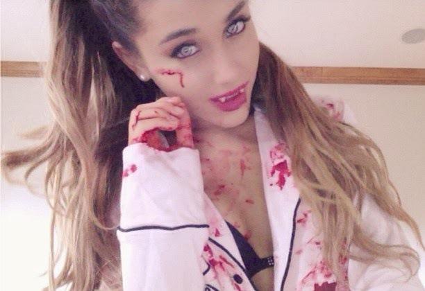 Ariana Grande sexy vampira halloween
