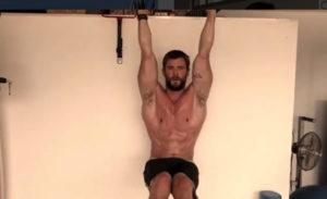 fisico thor allenamento palestra