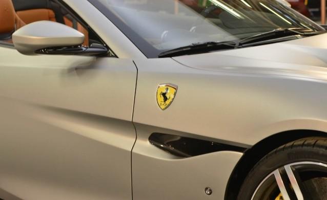 Ferrari Portofino argento