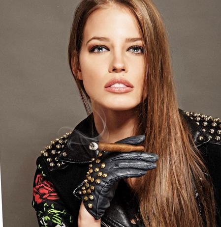Ivana Mrázová modella