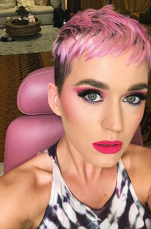 Katy Perry rosa