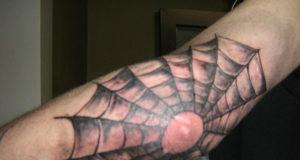 tatuaggi brutti estate