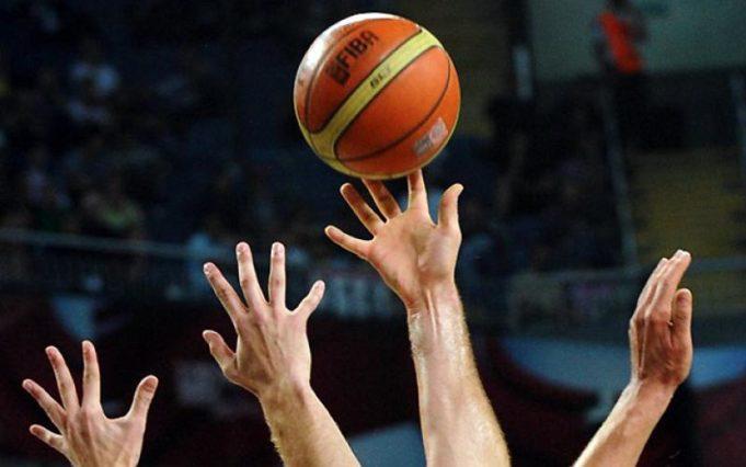 sport pallacanestro mani
