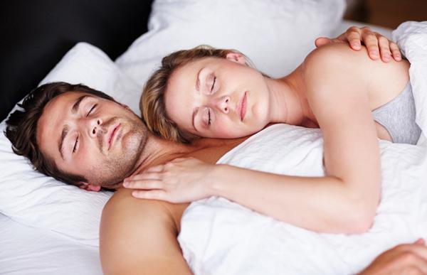 Sesso migliora sonno