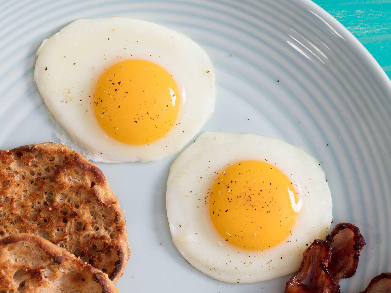 Uova a colazione pareri