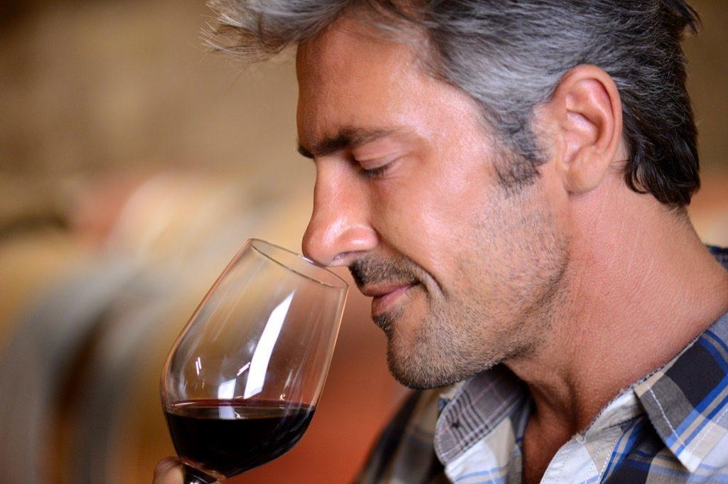 Bere vino aumenta intelligenza