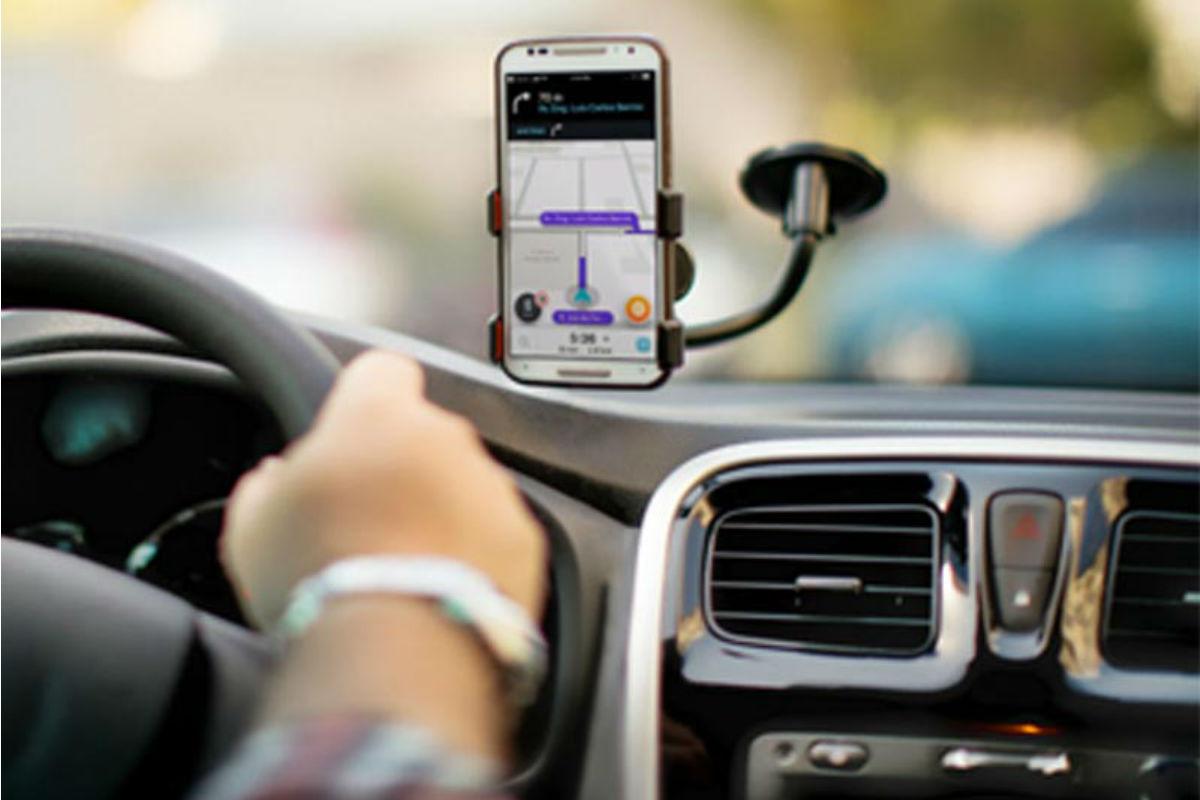 supporto smartphone auto ventosa