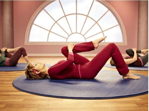 esercizi fitness casa attrezzi