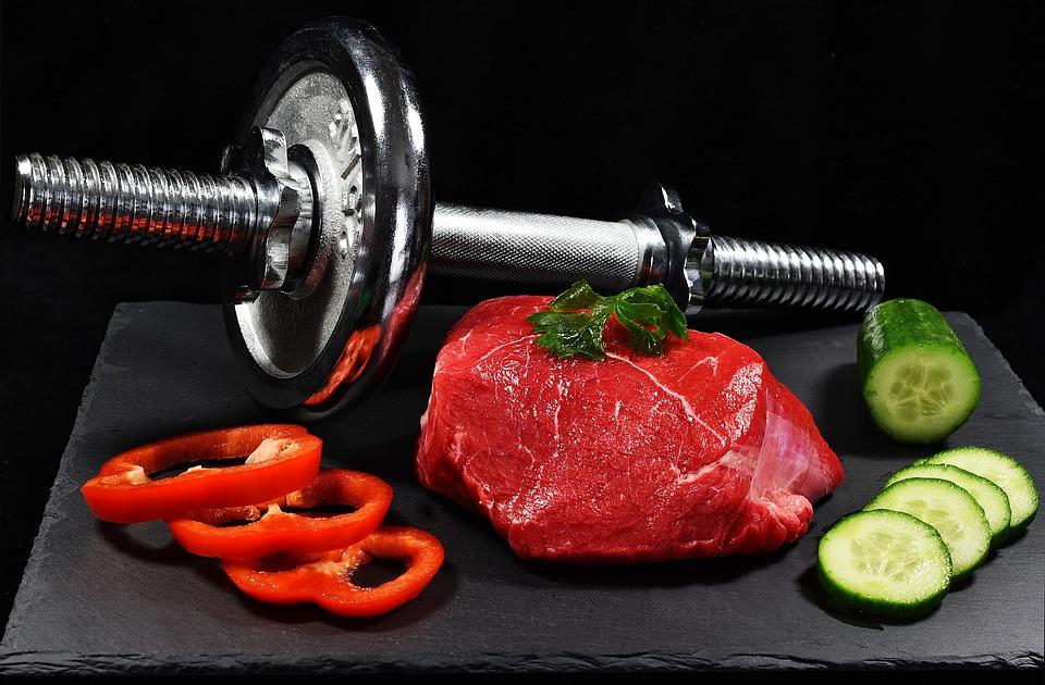 muscoli cibo allenamento tavola