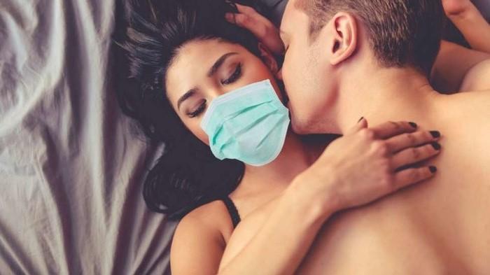 baciarsi con mascherina